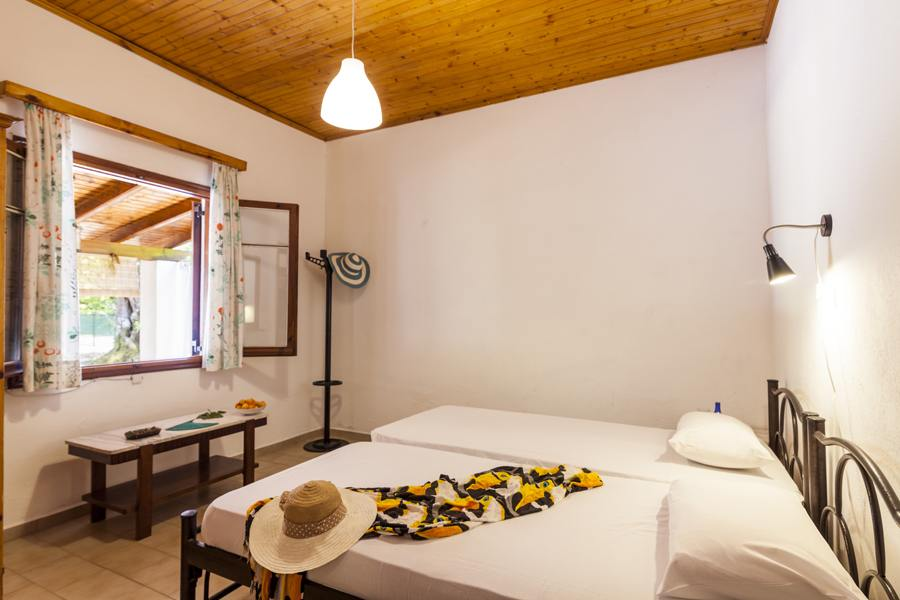 ipsos beach rooms - ipsos beach rooms for rent - ionian summer