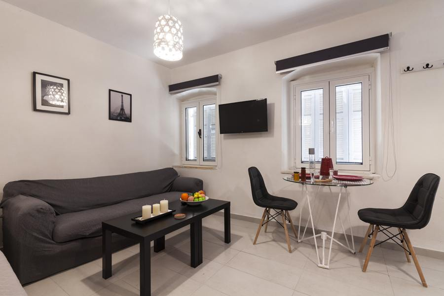 corfu town luxury apartments - corfu town rent a room - corfu old town rooms - ioniansummer.com