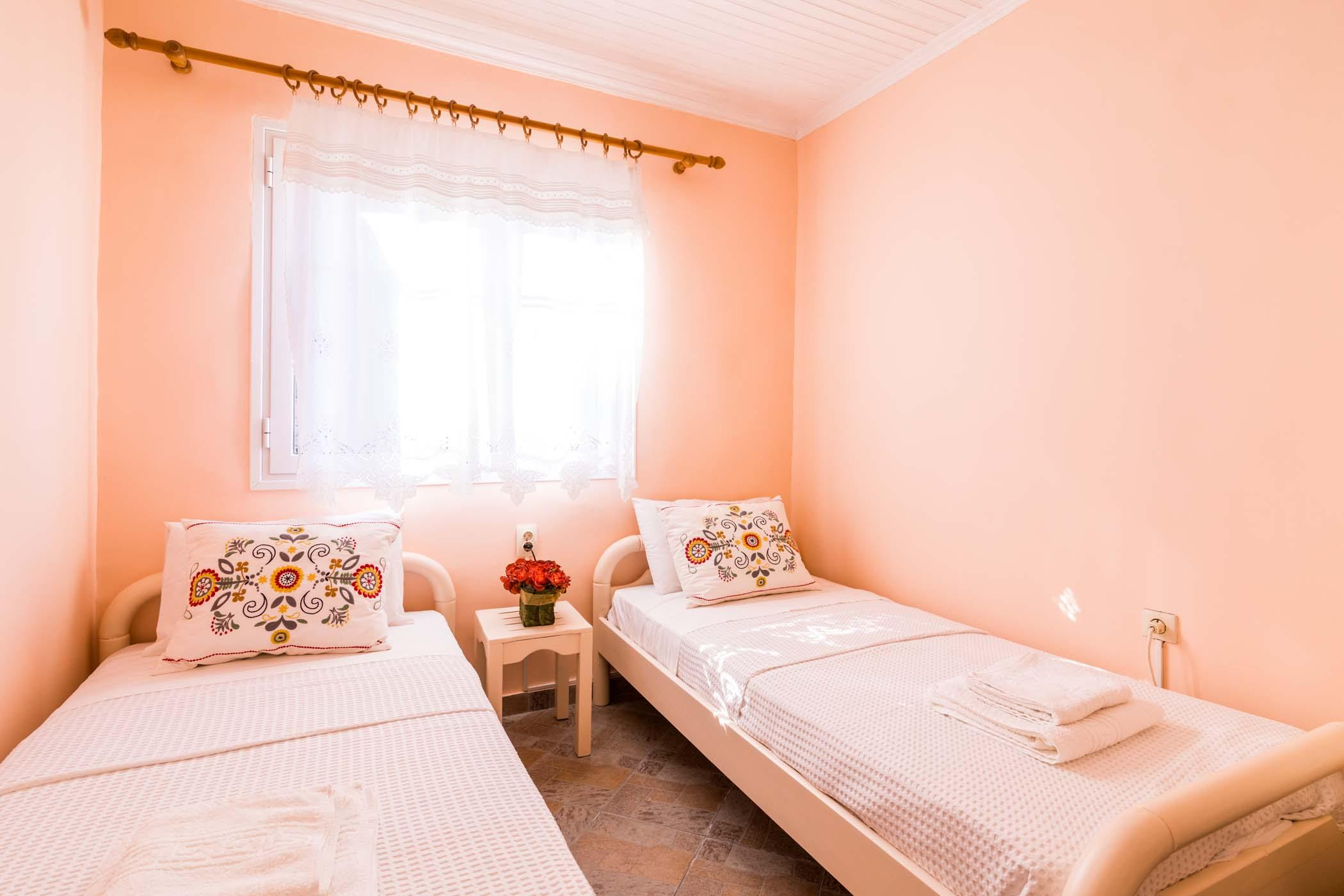 paxos loggos accommodation - loggos apartments - ionian summer